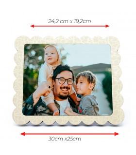 Marco portafotos rectangular con borde tipo flor |Area de impresion 24.2cmx19.2cm